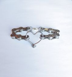 Bicycle Jewelry Chain and Spoke Heart by Winterwomandesigns Bicycle Crafts, Bike Craft, Bicycle Art, Recycled Bike Parts, Bicycle Spokes, Pedal, Heart Bracelet, Bracelets, Necklaces
