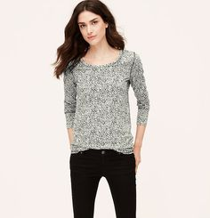 Styled with a just-right hem – and done in an organically refined print – this soft slubbed cotton essential is beyond versatile. Scoop neck. Long sleeves. Banded neckline, cuffs and hem.