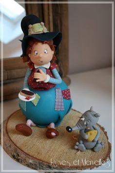 Voici ma deuxième Miss Boulotte, réalisée lors de l'atelier sorcière du mois d'octobre. Plus grande que la...