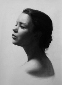 Angel Academy of Art :: Dedicated to the Continuance of Classic Realist Painting  INGA LOYEVA MISS UOTI CHARCOAL ON PAPER
