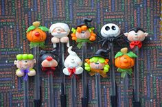 Pack of 10 Halloween Black Pens Cute Polymer Clay Cold Porcelain Figurine Favour Favor Gift Polymer Clay Halloween, Polymer Clay Figures, Cute Polymer Clay, Polymer Clay Miniatures, Polymer Clay Projects, Polymer Clay Creations, Halloween Crafts, Clay Pen, Pen Toppers