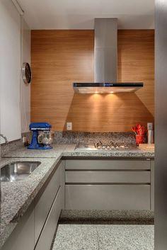 Navegue por fotos de Cozinhas modernas: Cozinha . Veja fotos com as melhores ideias e inspirações para criar uma casa perfeita.