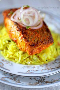 Aapplemint Pan Fried Snapper in Goan Marinade & Lemon Rice Can't wait to eat it! Goan Recipes, Fish Recipes, Seafood Recipes, Indian Food Recipes, Cooking Recipes, Healthy Recipes, Ethnic Recipes, Salmon Recipes, Healthy Food