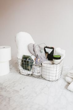 essentials for holiday houseguests! stock up on @cottonelle #ad #OnAMegaRoll - more household tips on jojotastic.com