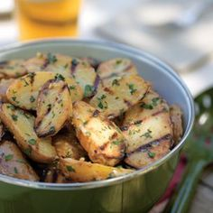 grilled fingerling potatoes. making these tonight at the rooftop bbq. Williams Sonoma, Grilling Recipes, Beef Recipes, Main Dishes, Side Dishes, Great Recipes, Favorite Recipes, Yummy Recipes, Cooking