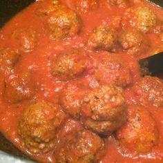 Lekker eten met Marlon: Griekse gehaktballetjes in tomatensaus
