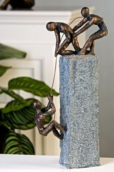Casablanca Skulptur 'Assistance', 43 cm, grau/bronze