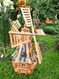 Polecamy drewniane wiatraki ogrodowe, które stanowią bardzo ciekawy i ładny dodatek do każdego ogrodu!