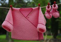 layette ensemble mérinos 1-3 mois neuf tricoté main brassière et chaussons : Mode Bébé par com3pom