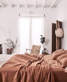 Dreamy Sunday mornings spent in bed 🙌🏽 We speak to @inbedstore founder Pip Vassett on her 'AHA' moment when starting In Bed and how…