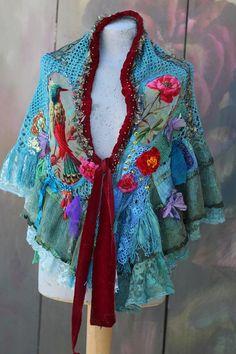Fairytale shrug shawl capelette bohemian romantic