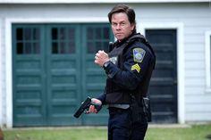 Beim Anschlag auf den Boston-Marathon 2013 wurden drei Menschen getötet und über 250 durch Rucksack-Bomben verletzt. Der Film mit Mark Wahlberg darüber heißt schlicht Boston: 1. Trailer zum Terror-Thriller ➠ https://www.film.tv/go/36081  #Boston #PatriotsDay #MarkWahlberg