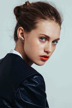 Beauty Inspiration: Bright Lips & The Knotted Bun