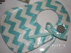 Bá ZigZag Sweet Blue♥  Com tecido temático e plastificado, fita de cetim Azul com bolinhas brancas e botão forrado com tecido de interior.