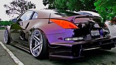 Hellaflush Twin Turbo 350z Two tone iridescent color changing paint.  (I wonder if they could paint an r8 Spyder in this color?)