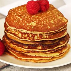 These Keto pancakes are such a treat! Made with almond flour and cream cheese, they taste as close to the real thing as you can get. Great with berries and cream or Greek yoghurt, with sugar free jam, a knob of butter or lashings of sugar free syrup. Keto Cream Cheese Pancakes, Best Keto Pancakes, Almond Flour Pancakes, Low Carb Pancakes, Low Carb Breakfast, Sugar Free Pancakes, Oat Flour, Low Carb Keto, Low Carb Recipes