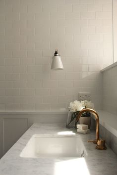 Pipkorn & Kilpatrick Interior Architecture and design | Toorak house Shelf behind faucet