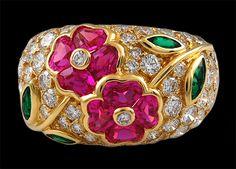 Van Cleef and Arpels Diamond, Emerald & Pink Sapphire Flower Ring Van Cleef Arpels, Van Cleef And Arpels Jewelry, Gemstone Jewelry, Jewelry Rings, Jewelry Accessories, Fine Jewelry, Schmuck Design, Love Ring, Diamond Are A Girls Best Friend