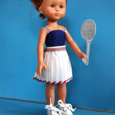 « Mercredi, c'est tennis. Jupe 5 euros, top 5 euros. #dollclothes #avendre #corolledoll #vetementspoupees #handmade #handsewn #handsewing »