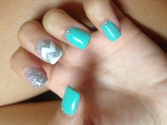 These cute blue nails are so cute!! After all, blue is the new black!