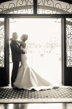 awesome picture! I would love this picture to be taken at my wedding