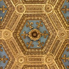 Firenze, Palazzo Vecchio, Sala dei Gigli - section of the elaborate coffered and…