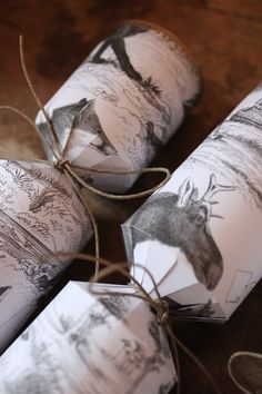 JUNKAHOLIQUE: homemade christmas crackers...