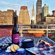 Thanks to @wesleydayshaw, a wonderful #Petrossian experience on a #NYC rooftop. Enjoy! #bluetin #OurFansAreArtists    Merci à @wesleydayshaw de nous faire partager son expérience #Petrossian sur les toits New Yorkais #BoiteBleue #OurFansAreArtists