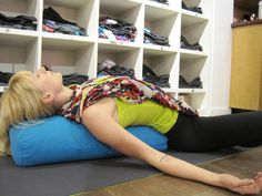 RESTORATIVE YOGA FOR STRESS RELIEF Are you looking for a deliciously relaxing way to counter stress? Restorative Yoga poses are the perfect antidote to a stress filled life. Yin Yoga, Yoga Meditation, Restorative Yoga Poses, Yoga Bolster, Do It Yourself Inspiration, Yoga Inspiration, Yoga For Stress Relief, Yoga Props, Yoga Equipment