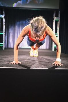 Raddest move of the runway! @drlesko pushups!
