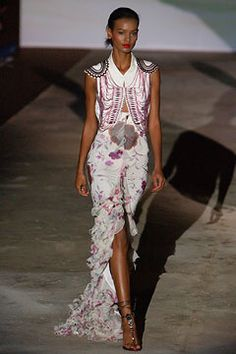 Emanuel Ungaro Spring 2003 Ready-to-Wear - Collection - Gallery - Style.com