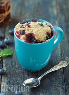 Streusel-Topped Blueberry Muffin