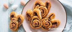 Deze snelle cinnamon rolls van croissantdeeg zijn heerlijk bij de paasbrunch