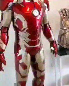 Geek Discover marvel edits videos the avengers ; Marvel Art, Marvel Dc Comics, Marvel Heroes, Marvel Avengers, Iron Man Avengers, Iron Man Armor, Iron Man Suit, Iron Man 3, Iron Man Wallpaper