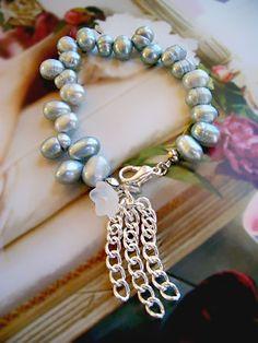 ................... Pearl bracelet