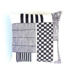 Zwart op wit Marimekko geometrische katoen kussen / kussen Cover. Scandinavische Monochrome zwarte strepen, pleinen en kronkels leuk kussen