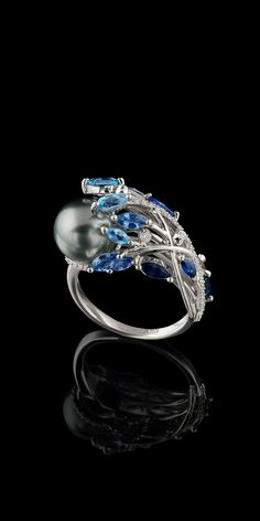 Master Exclusive Jewellery - Ring - 18K white gold, gray sea pearls, diamonds, blue sapphires, topazes