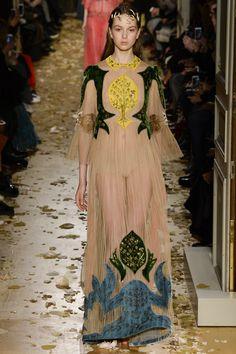 Valentino Spring 2016 Couture collection by Maria Grazia Chiuri and Pierpaolo Piccioli