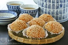 Jian Dui (Deep Fried Glutinous Rice Balls or Sesame Seed Balls) | Food to gladden the heart at RotiNRice.com