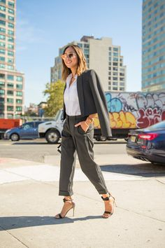 Pin for Later: 47 Easy-Breezy Outfitideen fürs Büro