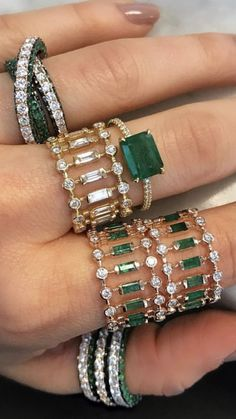 Jewelry Accessories Bijoux Special green and white rings with diamonds. Jewelry Accessories Bijoux Special green and white rings with diamonds Jewelry Gifts, Jewelry Box, Jewelry Accessories, Fine Jewelry, Jewelry Design, Boho Jewelry, Statement Jewelry, Beautiful Rings, Indian Jewelry