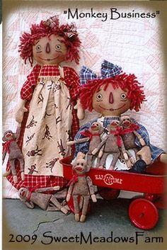 primitive crafts primitive crafts - a raggedy pair hantverk Primitive Doll Patterns, Doll Patterns Free, Primitive Crafts, Sewing Patterns, Primitive Snowmen, Primitive Christmas, Country Christmas, Christmas Christmas, Fabric Dolls