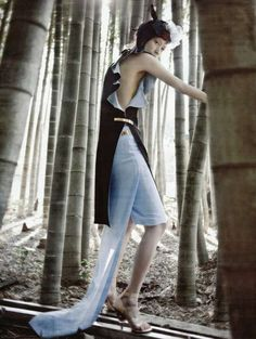 forest photography - Vogue Korea's editorial for its June issue, called 'Forest of Flounce,' displays forest photography at its most high-fashion. Fashion Line, White Fashion, Fashion Shoot, Editorial Fashion, Trendy Fashion, Fashion Beauty, Fashion Outfits, Fashion Styles, Fashion Ideas