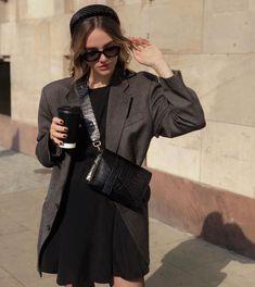 Headband and coffee part II Emo Fashion, Art Deco Fashion, Paris Fashion, Fashion Trends, Looks Style, Street Style Looks, My Style, Victorian Fashion, Gothic Fashion