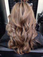 Dunkelblonde Haarfarbe