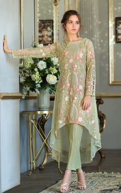 Thread and Motifs Formal Collection 2019 Embroidered Net Shirt Design Code: 5294 - Designer Dresses Couture Pakistani Formal Dresses, Pakistani Fashion Casual, Pakistani Wedding Outfits, Pakistani Dress Design, Indian Fashion, Pakistani Bridal, Designer Party Wear Dresses, Kurti Designs Party Wear, Indian Designer Outfits