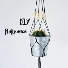 DIY Makramee / Lilli & Luke Mint And Berry, Furniture Care, Small Space Gardening, Diy Planters, Flower Market, Hanging Baskets, Great Hobbies, Plant Care, Loom Knitting