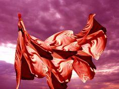 """ArtGalery PERSONALART.PL tytuł/title: """"Red lady"""" author: Zdzisław Beksiński https://www.personalart.pl/zdzislaw-beksinski/czerwona-dama"""
