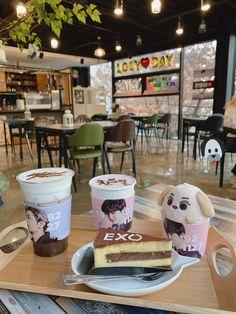 Korean Drinks, Exo Merch, Aesthetic Korea, Kawaii Bento, Exo Album, Cup Sleeve, Cafe Menu, Cafe Shop, Fans Cafe