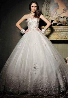 Vintage Ball Gown Wedding Dresses | Satin and Tulle Strapless Sweetheart Ball Gown Vintage Wedding Dress
